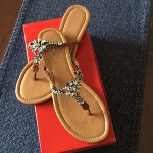 Talbots NWT Sandal with Crystal details Size 8.5M